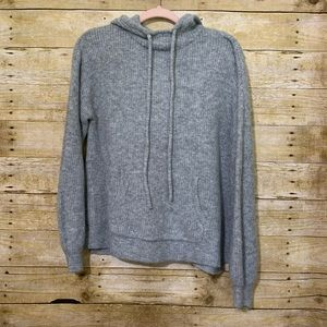 Who what wear gray knit style pullover Small